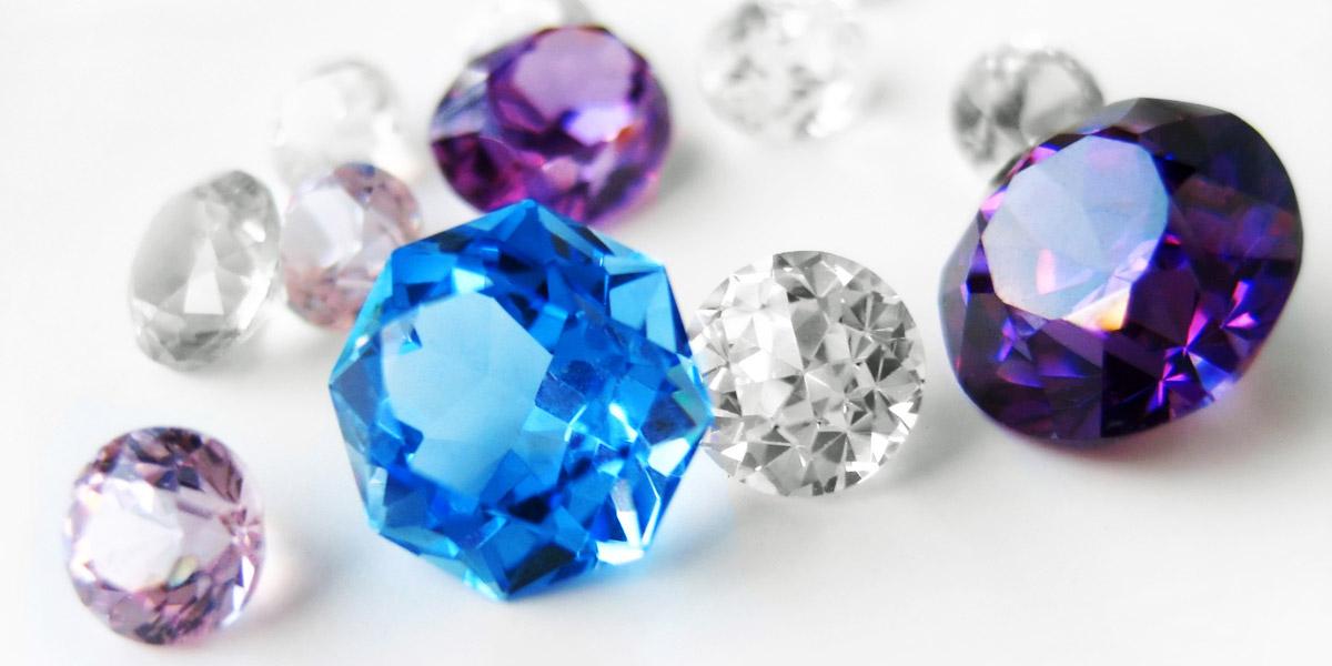 ダイヤモンドなどの宝石